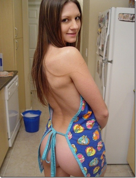 josie-model-looking-hot-in-the-kitchen